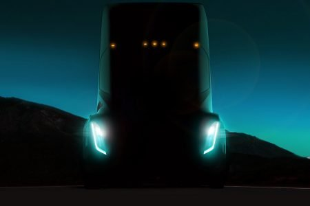 Tesla (finally) Announces its Semi Truck – Our Analysis